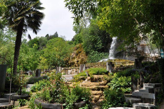 jardin-des-fontaines-petrifiantes-012