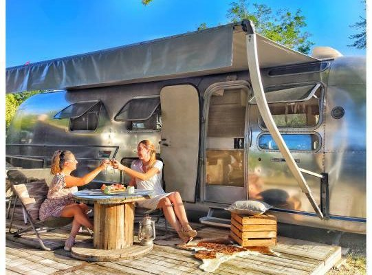 camping-haute-rive-airstream-vintage