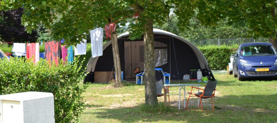 camping-toile de tente-hauterives